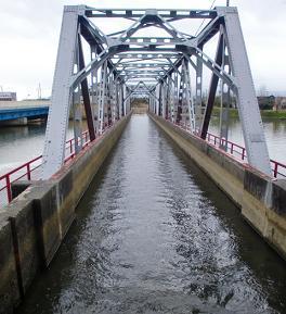 水路橋.jpg
