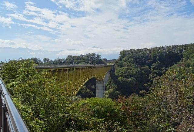 黄色い橋2.jpg