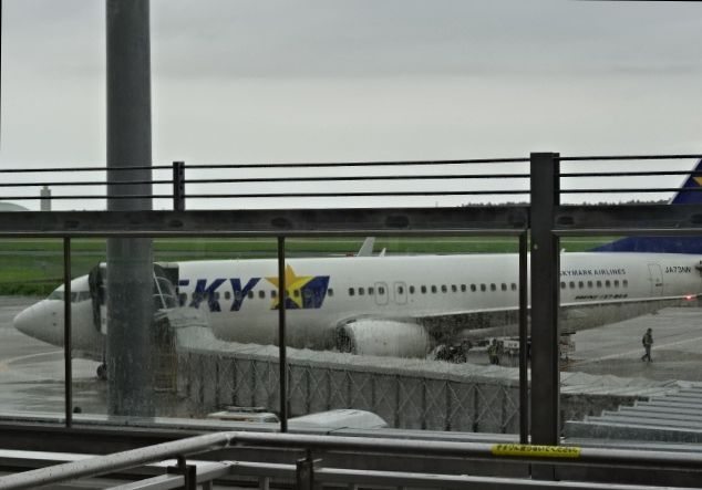 空港で4.jpg